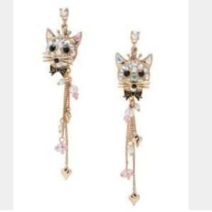 🐱👑Betsy Johnson Crystal Cat Earrings 🐱👑